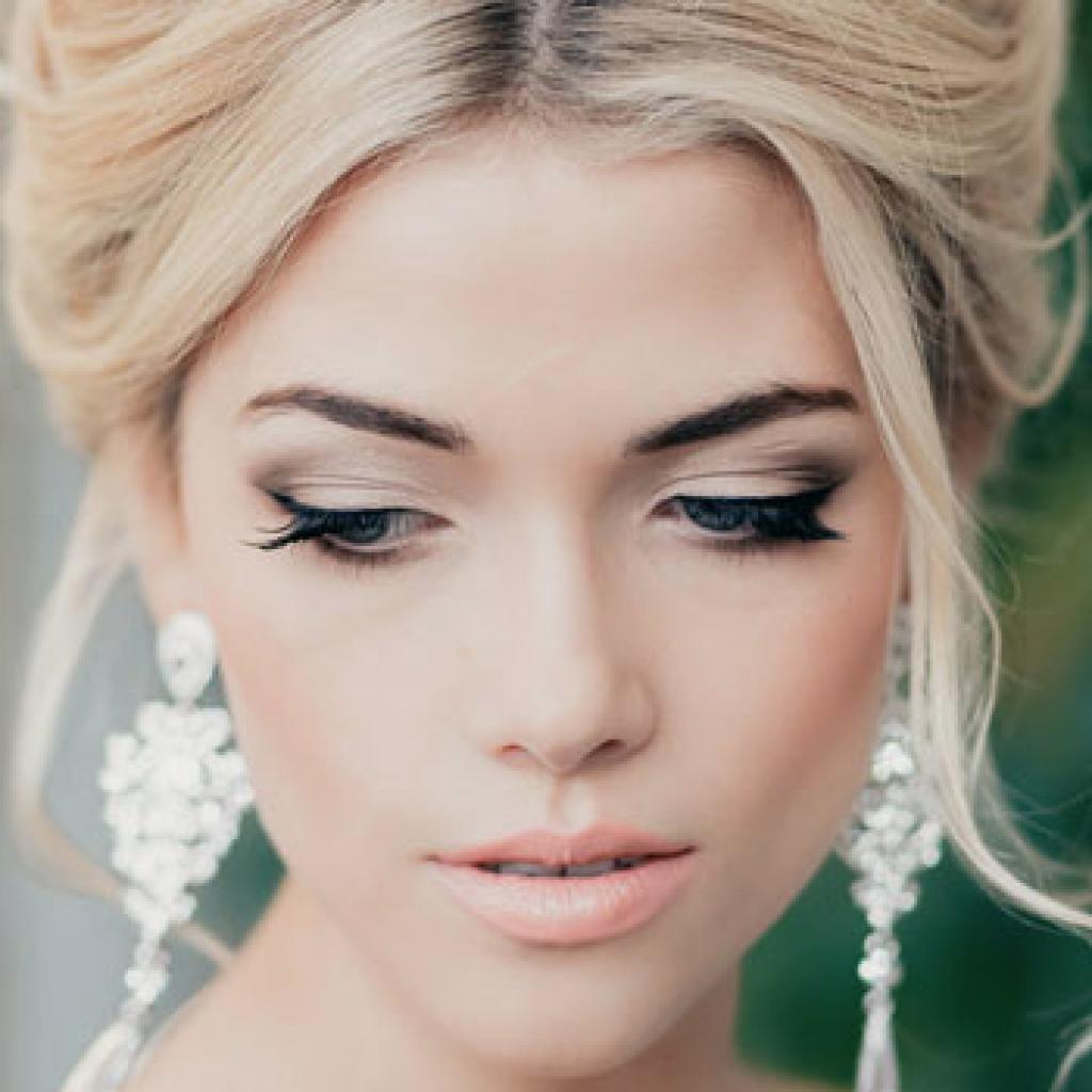 Макияж для зеленых глаз блондинка выпускной