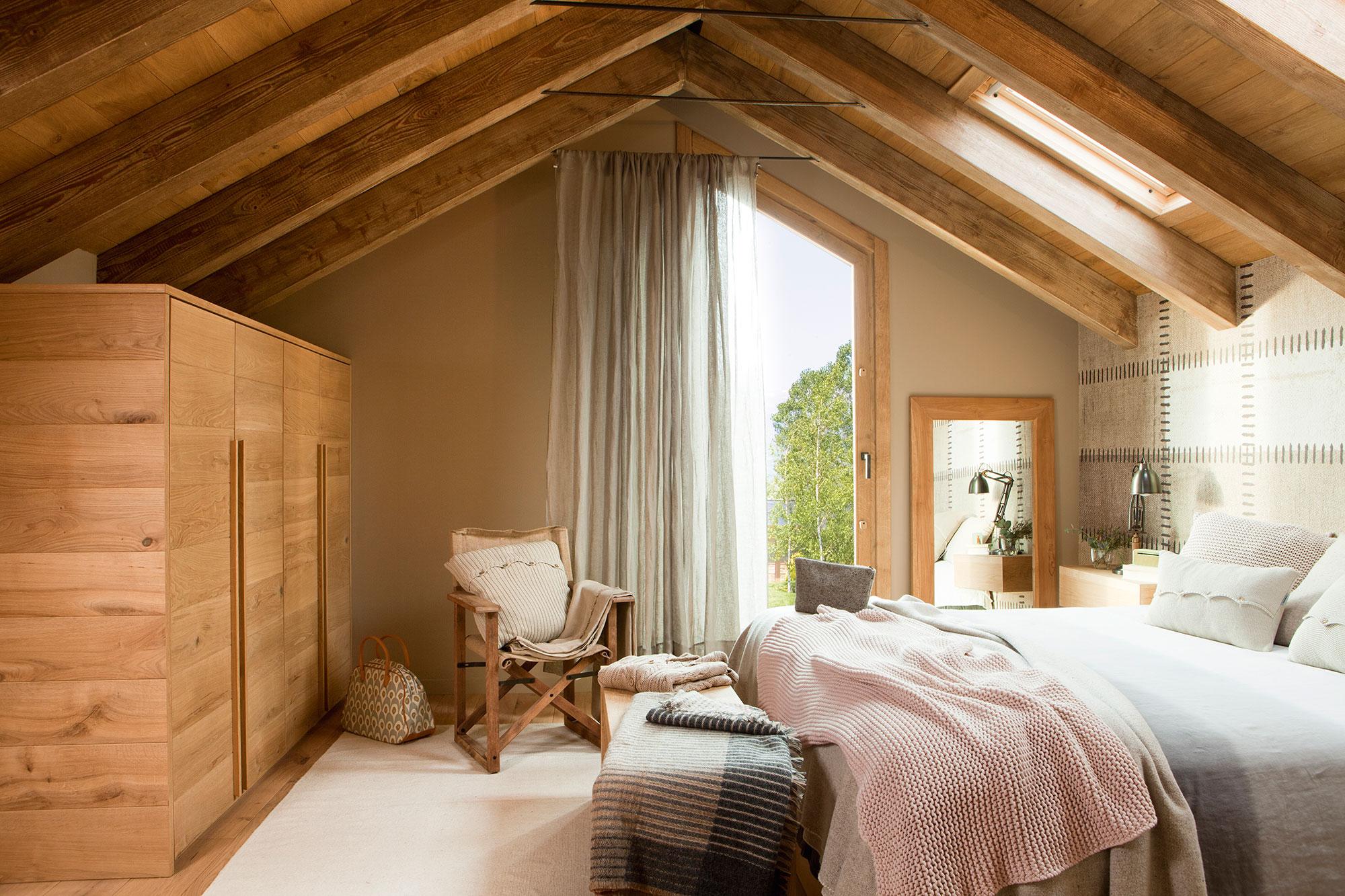 Идеи для спальни в деревянном доме фото