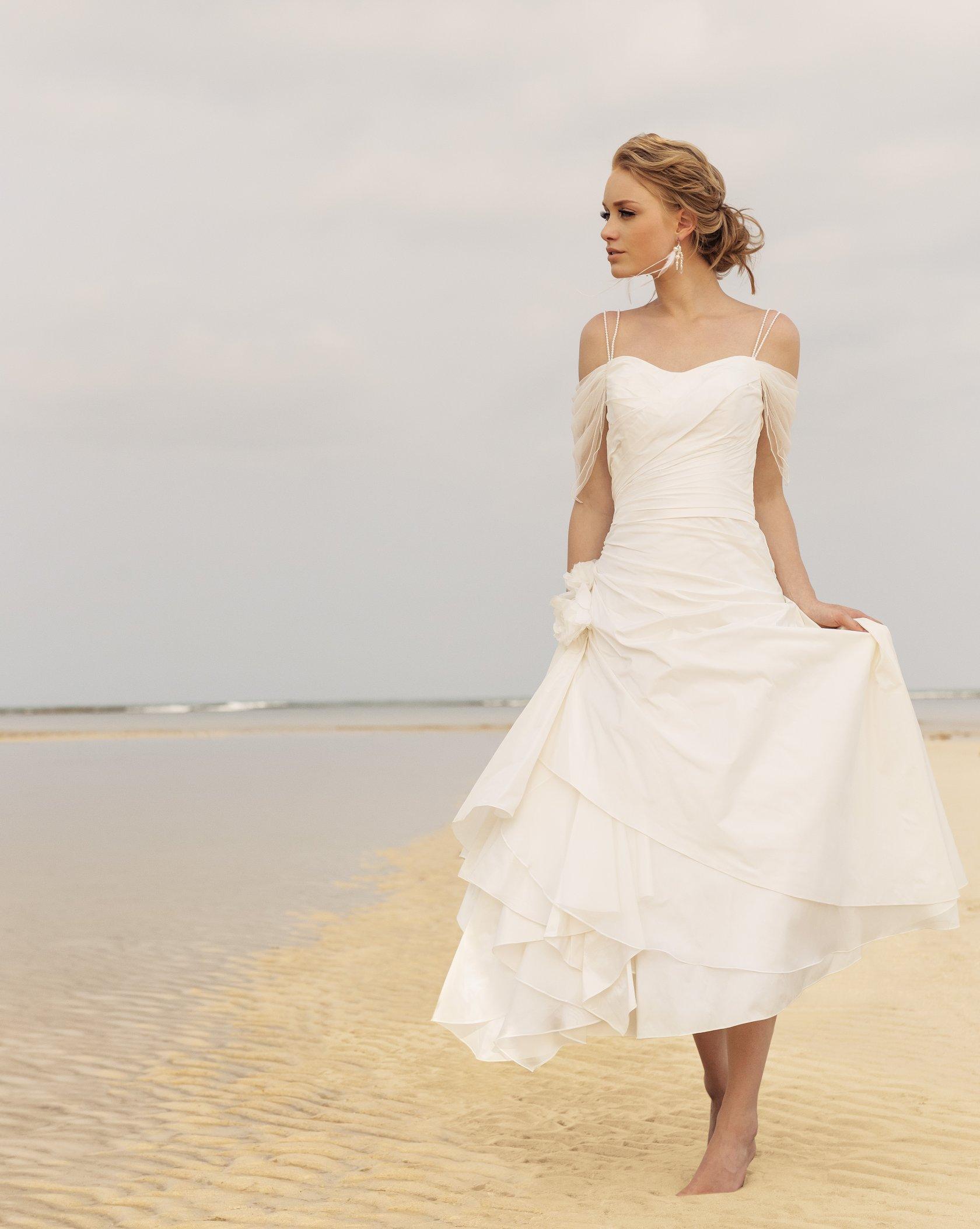 Фото свадебных платье для пляжа