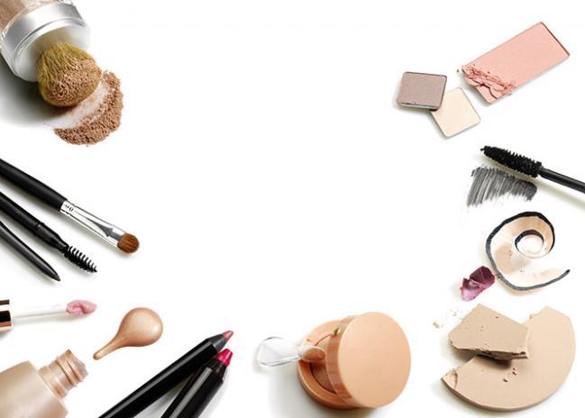 Набор для макияжа фотошоп