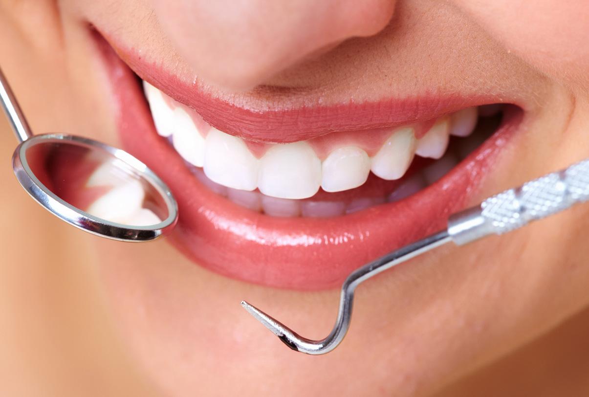 Шатается зуб - что делать, в чем причины, как лечить? Гид по 83