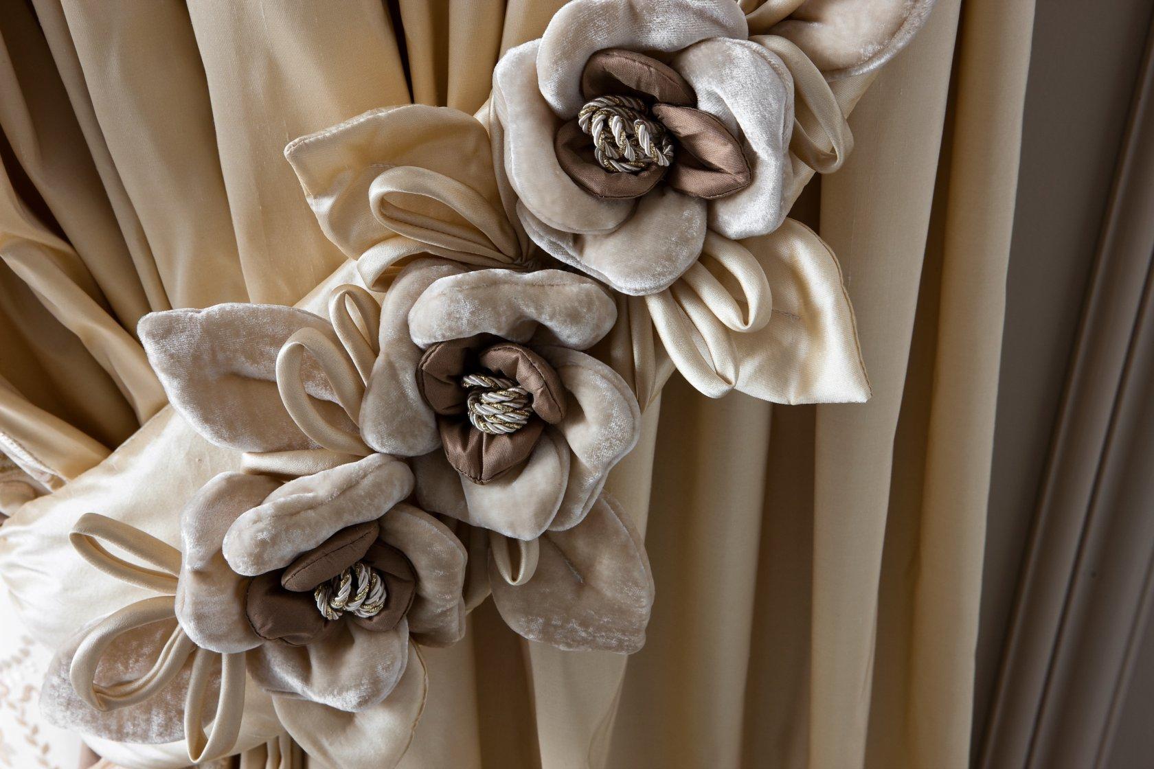 Цветы для штор: мастер класс по изготовлению подхватов для штор 68