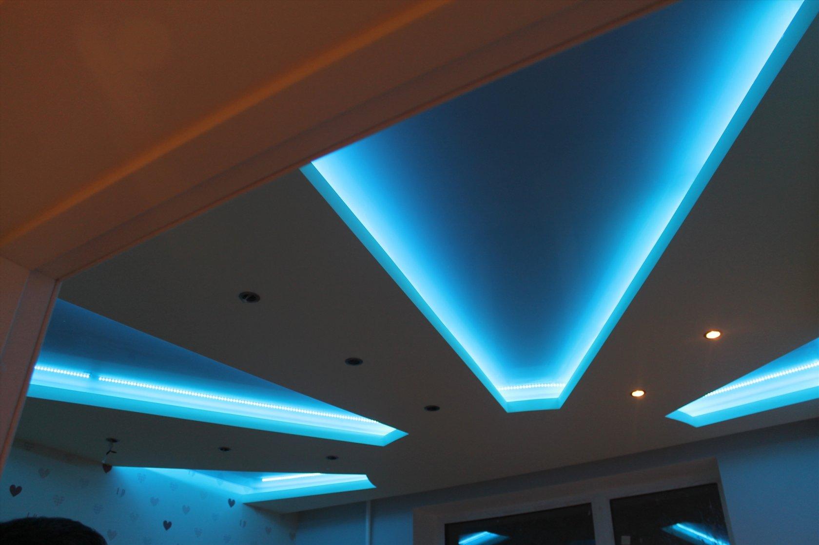 Гипсокартонный потолок с подсветкой Decor 4 House 79