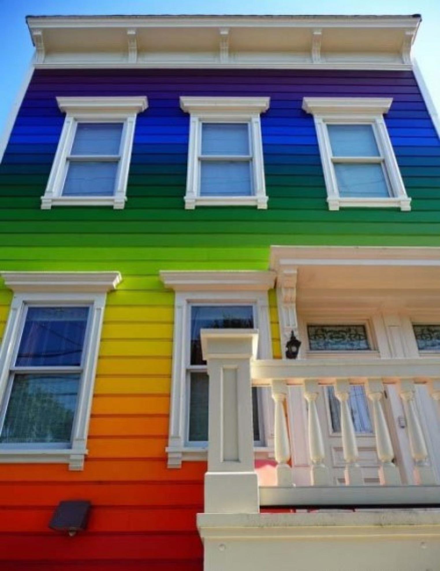Как красиво покрасить дом своими руками