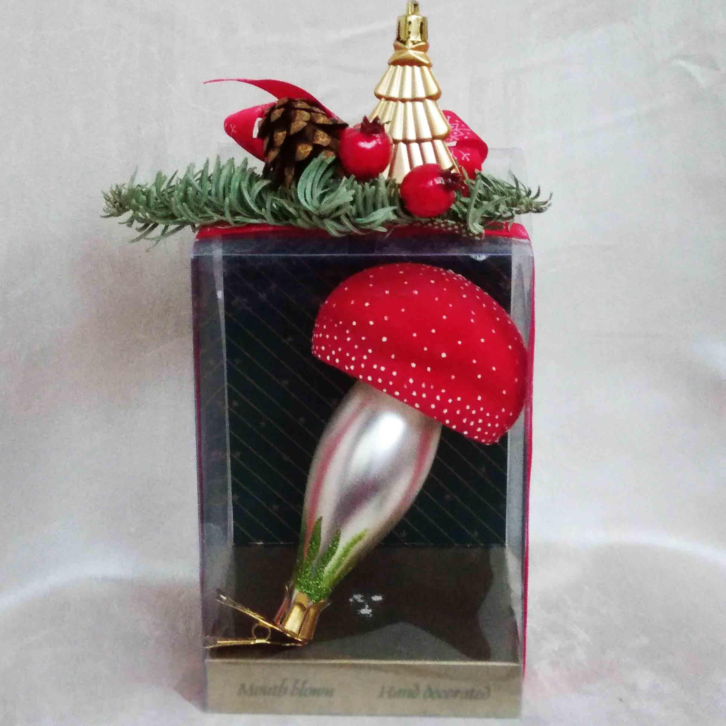 Елочное украшение из стекла подарок