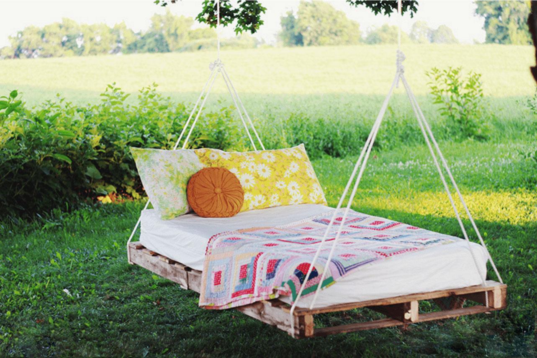 Кровать для дачи своими руками из досок 365