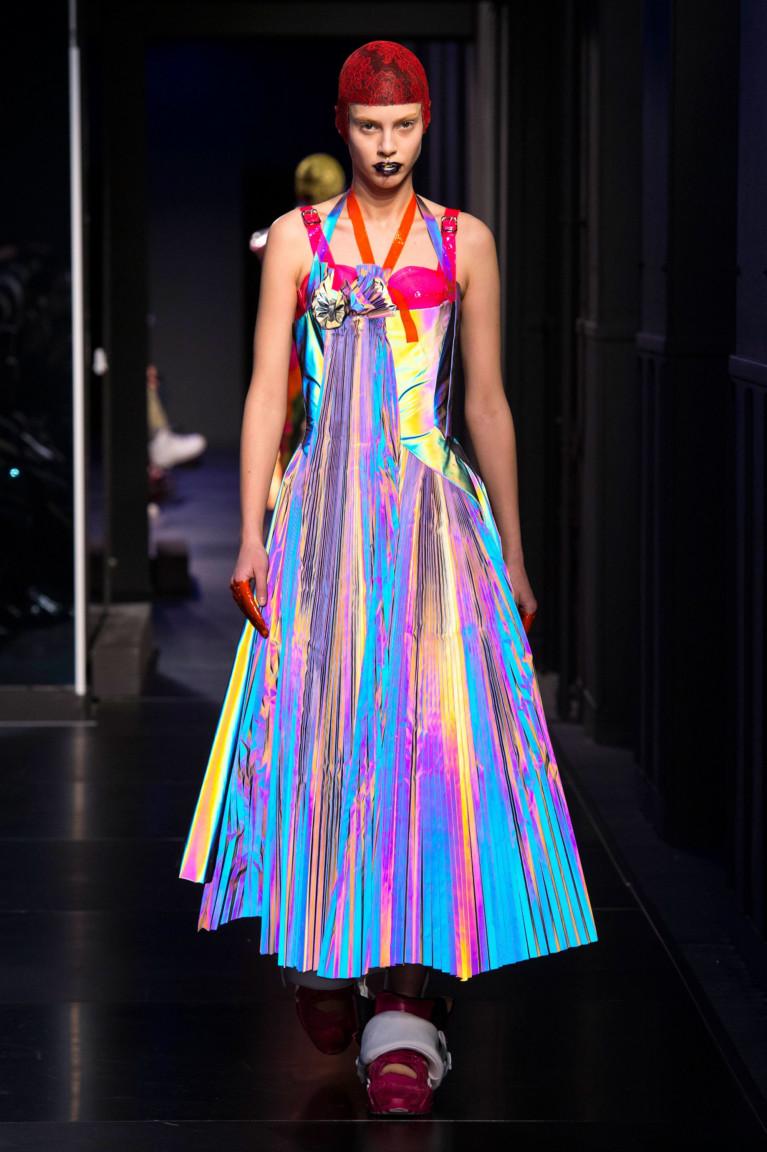 Tech a break 2018 fashion show Golden Globes Red Carpet Dresses 2018 POPSUGAR Fashion