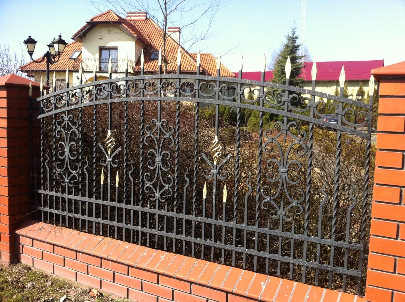 Как сделать красивый и надежный забор