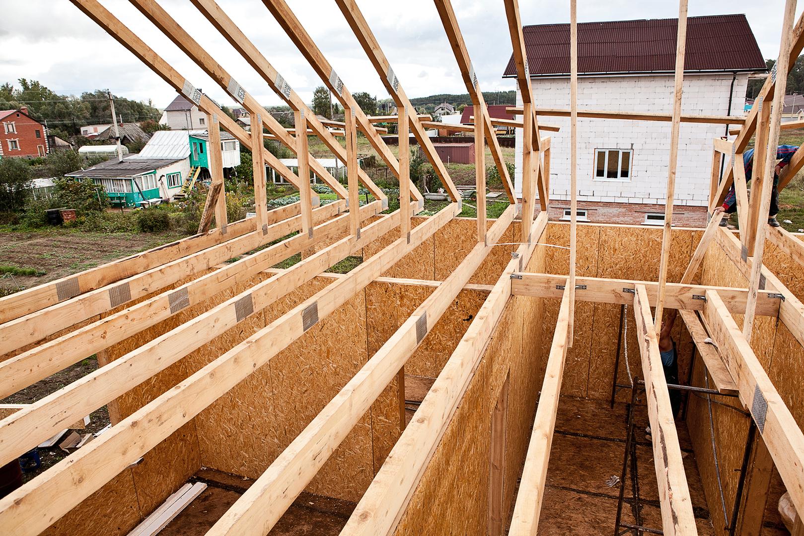 Чем покрыть крышу дома дешевле и лучше: Советы экспертов 21