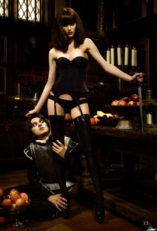 Смотреть порно онлайн две госпожи и рабыня
