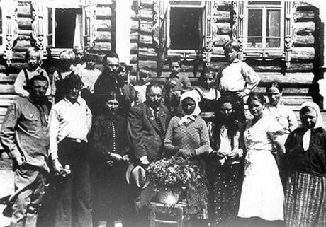 Семья Максима Михайлова в деревне Кольцовка