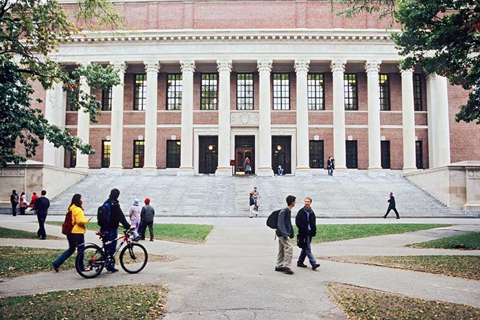 Инструкция: как поступить в лучшие университеты мира