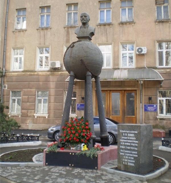 подбор памятников Макарьево