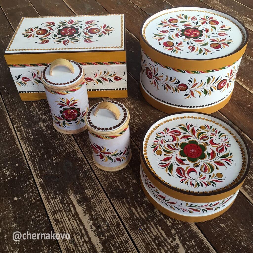 Набор красивых декоративных коробок для хранения
