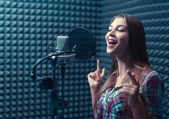Студия звукозаписи в Самаре, В нашей студии вы можете записать песню в подарок на свадьбу мужу, день рождения и любой другой праздник.