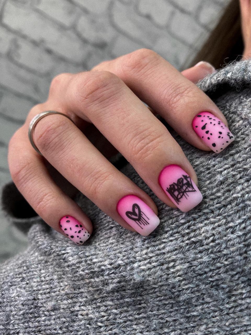 Матовый маникюр дизайн ногтей на короткие ногти