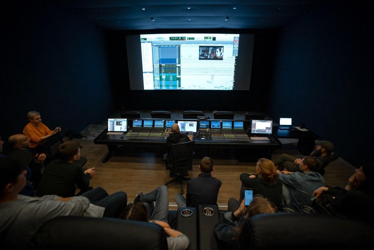 международный день курсы фото режиссера аквариум отражает