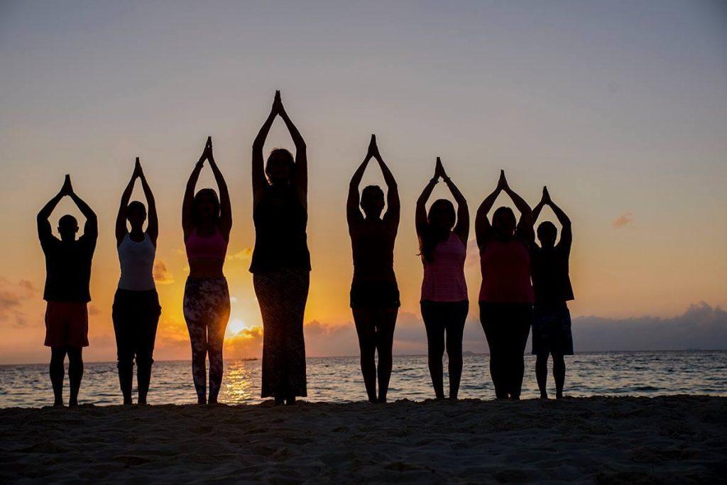 Преимущества пляжной йоги