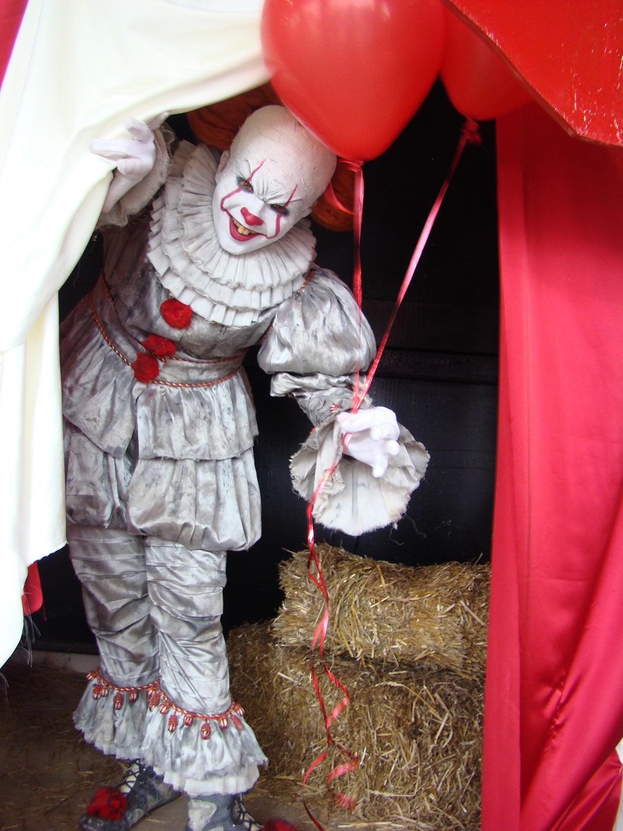 Страшный клоун. Новый Вернисаж