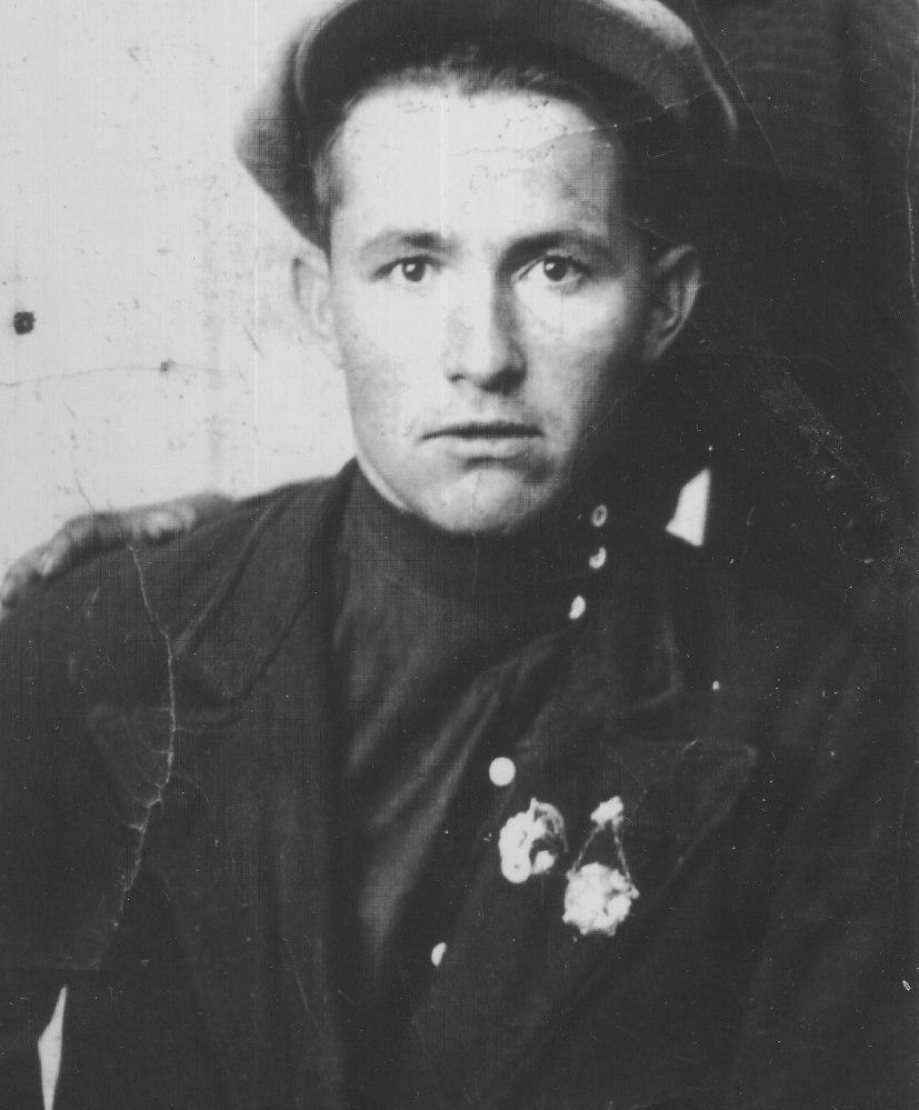 Виктор Иванович Иванов (1914 – 1944)