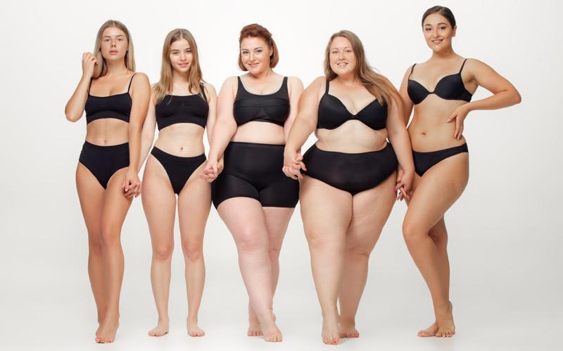 Дами със стандартни и големи размери. Различни видове женски фигури. Слаби и пищни жени