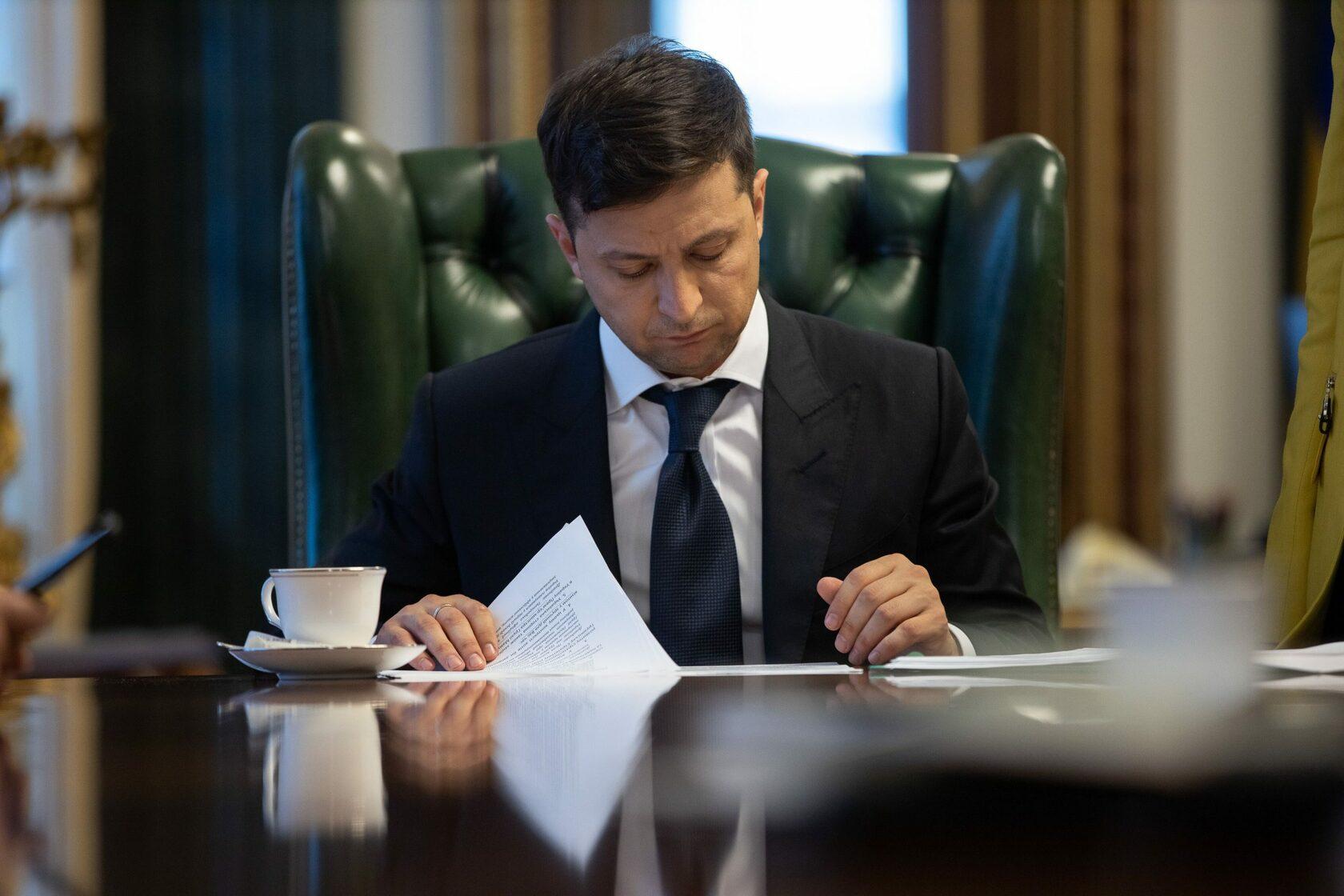 Президент подписал закон об урегулировании коллекторской деятельности
