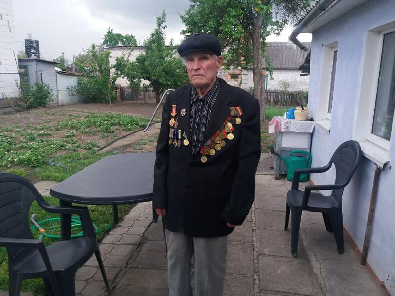 Партия Шария проздравила ветеранов с 9 мая - фото