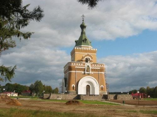 Храм-памятник в д. Лесная. Могилевская обл.