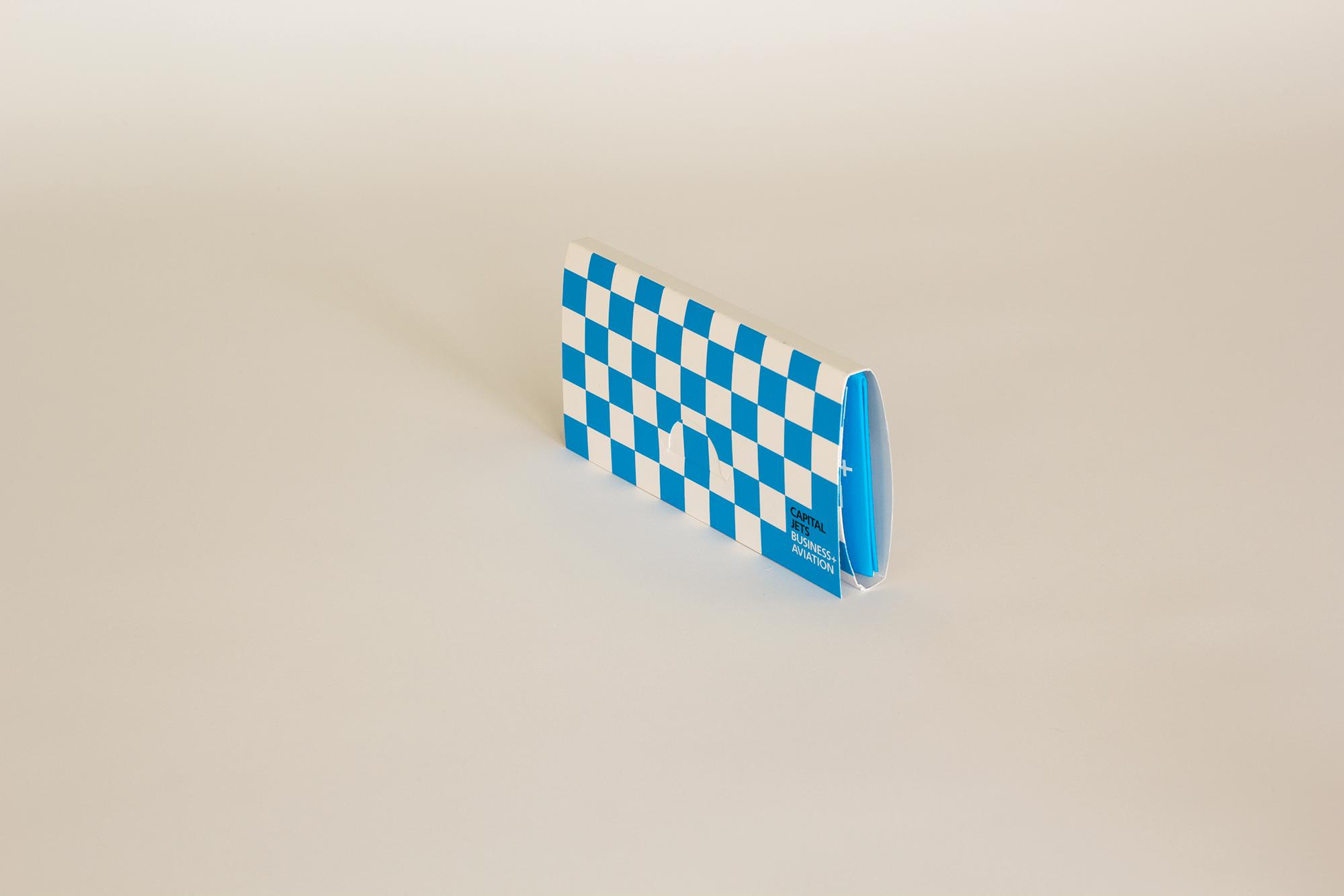 добавляем открытка с выпрыгивающим кубиком обнаружит установит