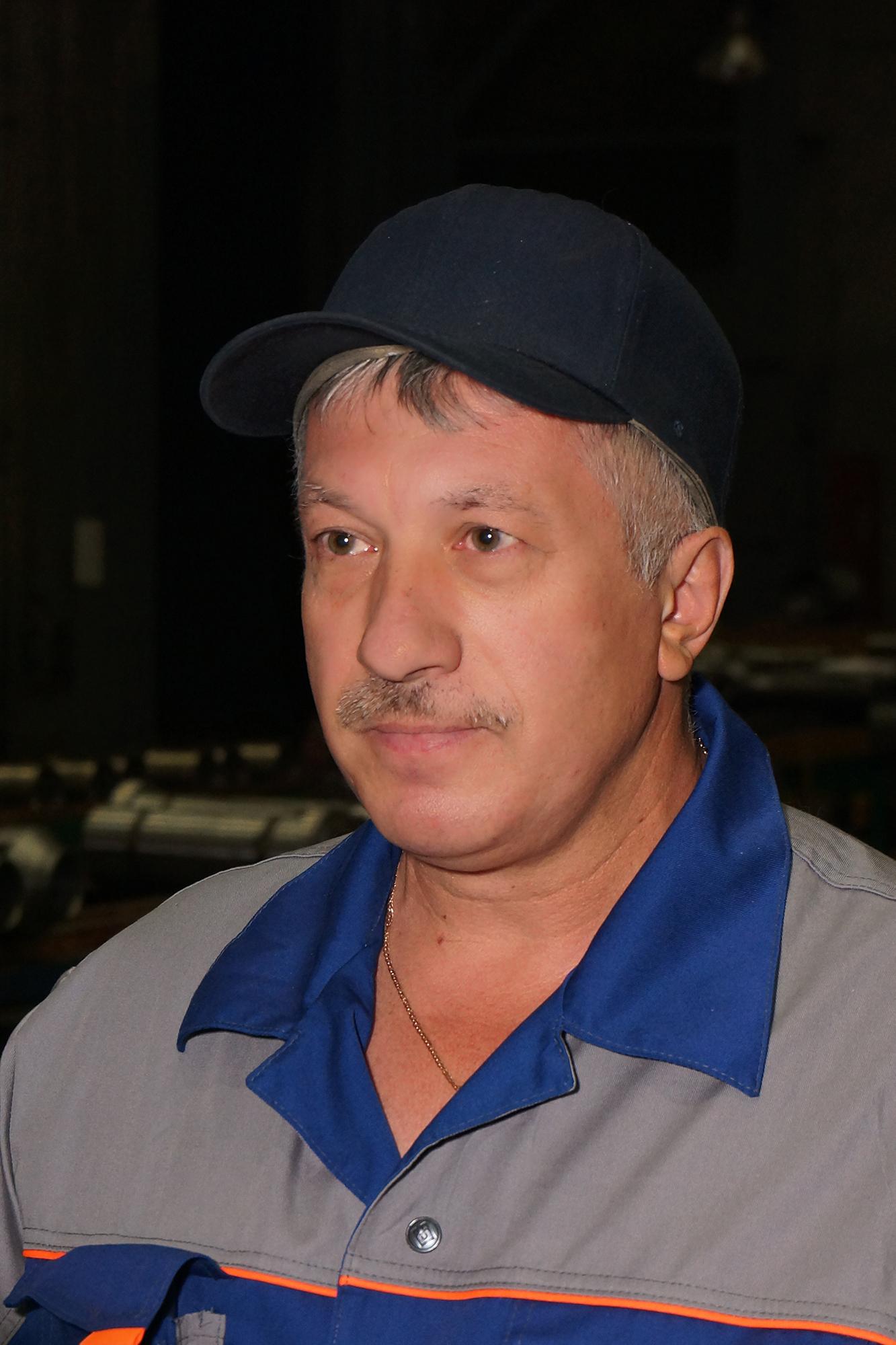 <strong>Александр Концевенко, бригадир токарей-расточников цеха №33.</strong><br /> На «Ижорских заводах» с 1980 года.<br />