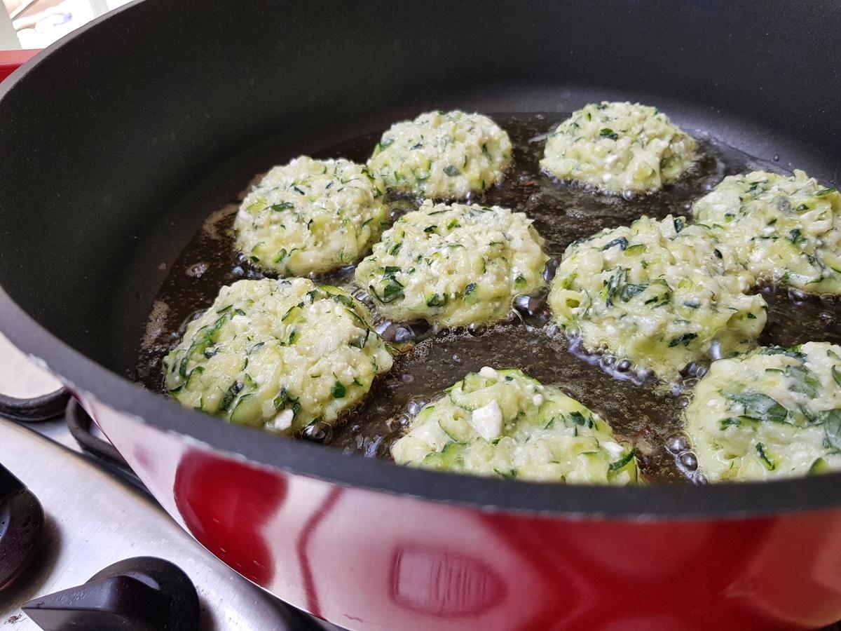 Котлеты без мяса - с кабачками, зеленью и сыром. Вкусный Израиль.