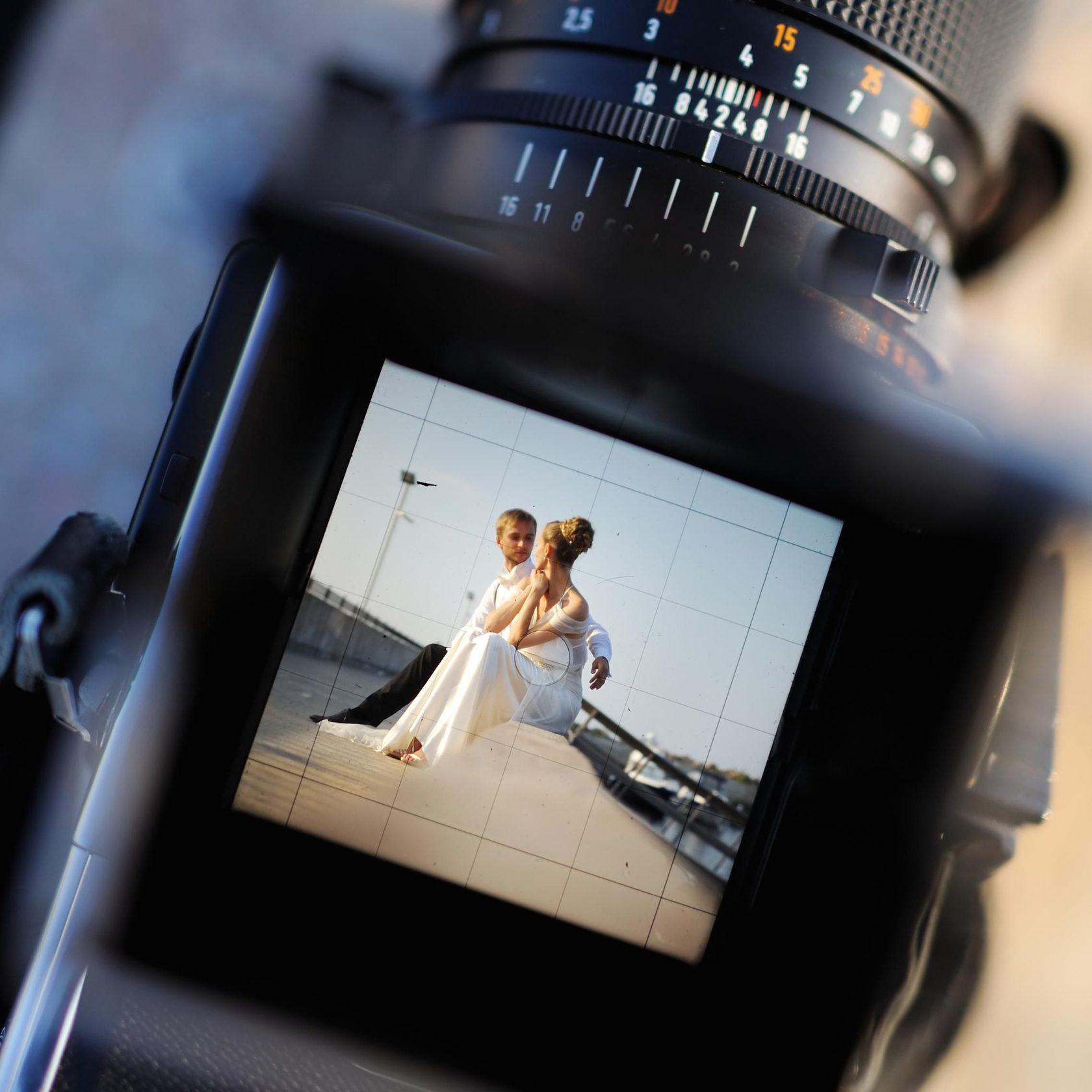 На какую оптику снимают свадебные фотографы