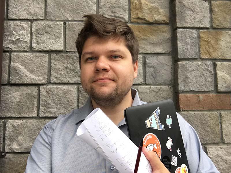 Александр Кузнецов, автор сериала идиректор «Сквозь облака»