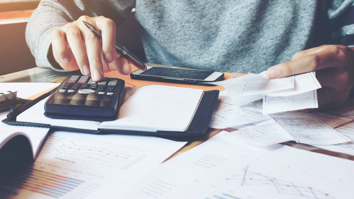 Когда издержки из заработной платы законны?