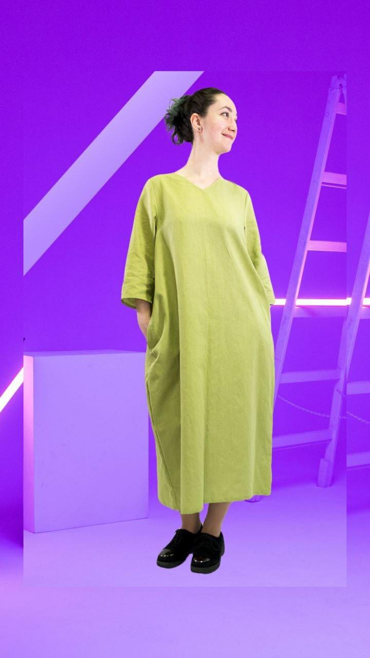 Платье с v образным вырезом