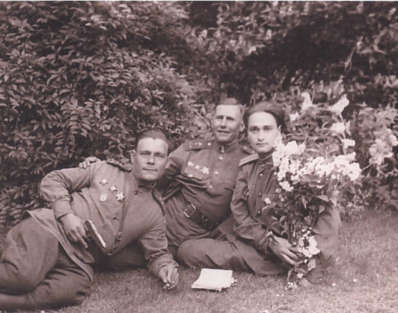 Владимир Гельфанд с сослуживцами. Берлин. Темпельхоф