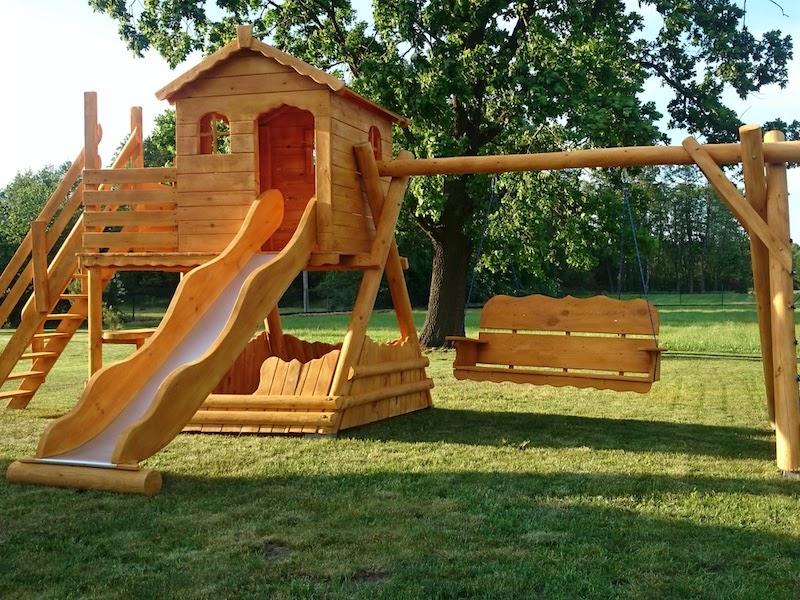 Детская деревянная площадка – привер направления бизнеса на изделиях из дерева