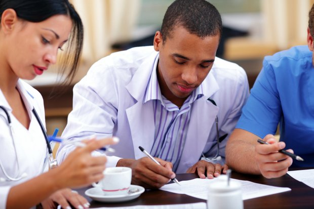 the benefits of online courses for nurses and other health care workers