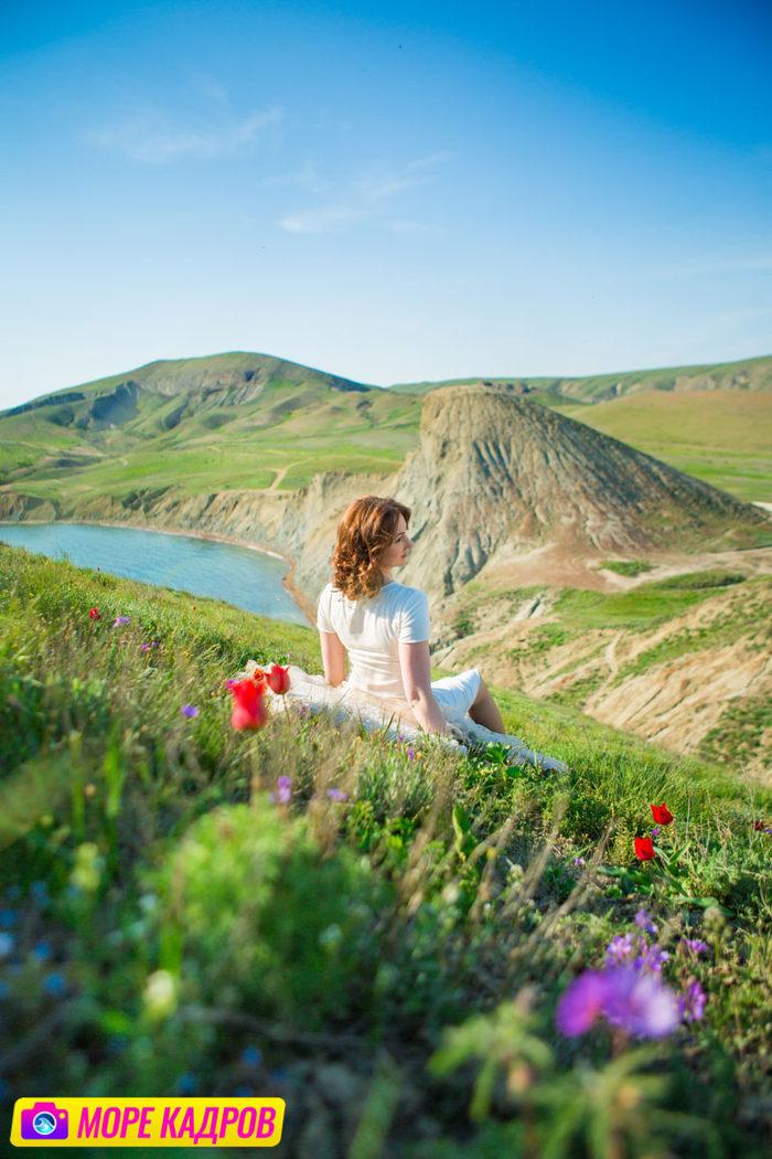 фотосессия девушки в купальнике на берегу моря в Севастополе, в Крыму.