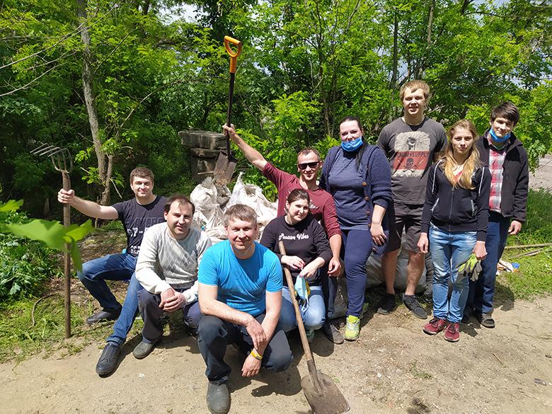 Партия Шария очищает лес - фото