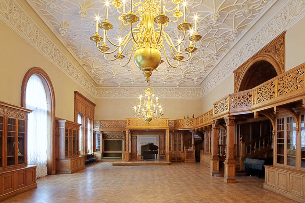 Дубовый зал дворца Белосельских-Белозерских