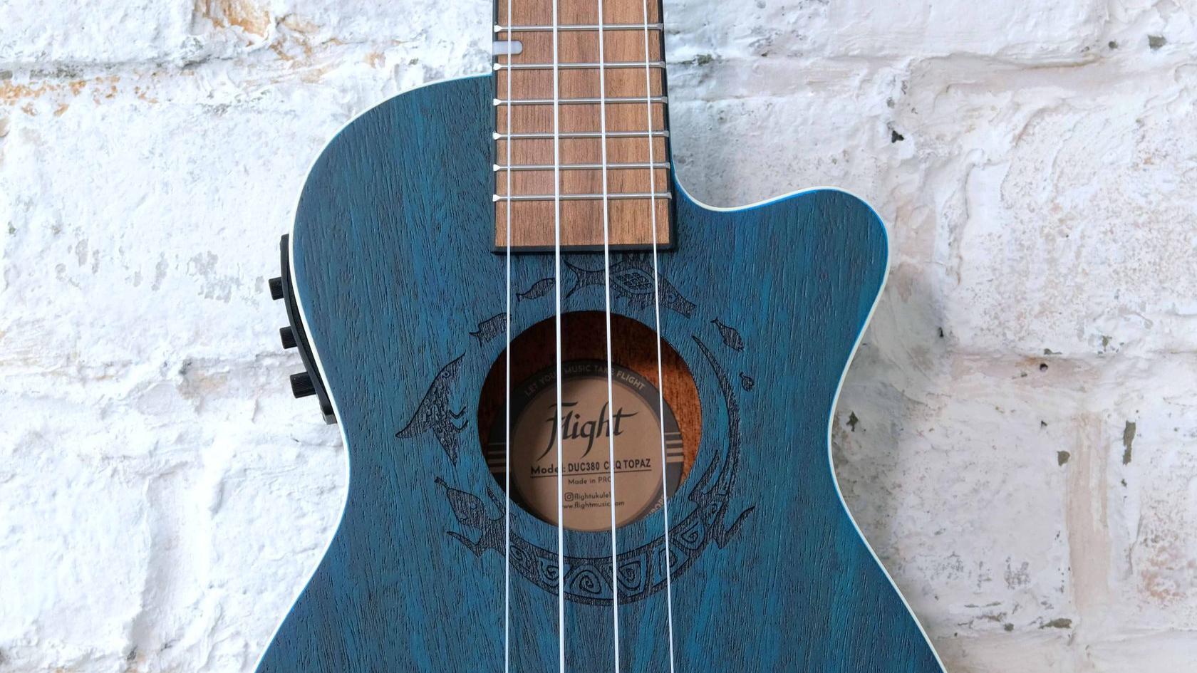 электроакустическая укулеле концерт Flight с фирменным чехлом в комплекте в магазине укулеле Ukelovers, ukulele concert, укулела