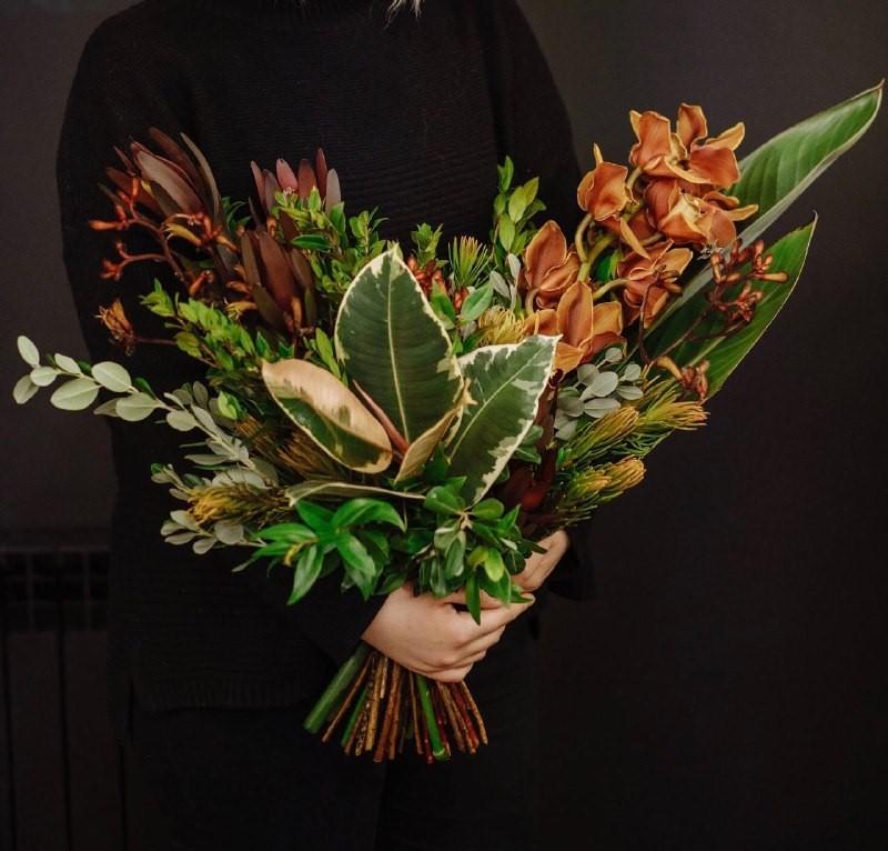 Букет с горшечным растением