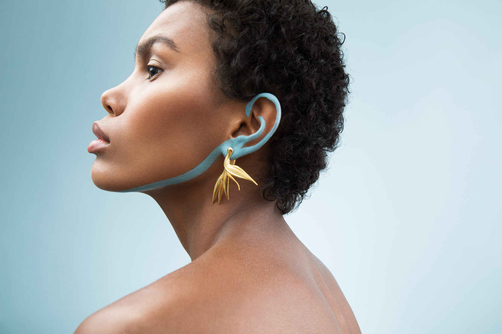 Золотые и позолоченные украшения. Серьги. Яркий стиль, индивидуальность, чувство силы.