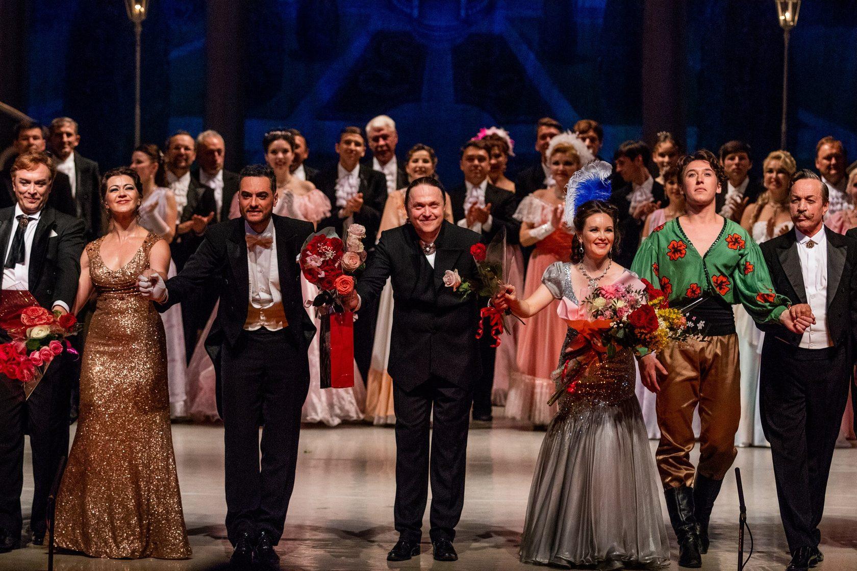 Гала-концерт в театре