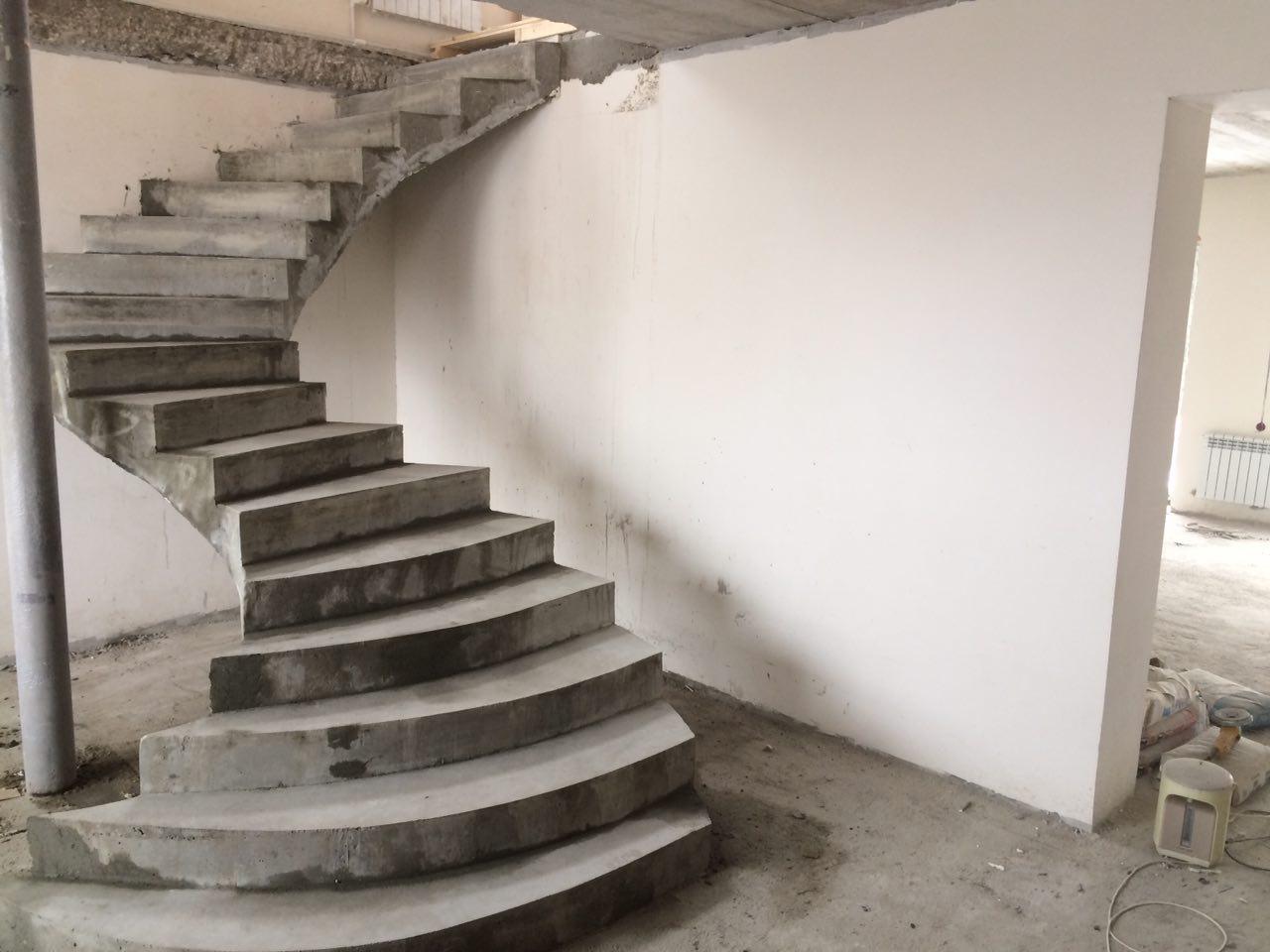 Лестница бетонная в доме облегченная фото прайс