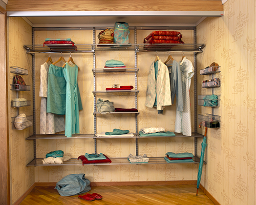 Wardrobe with laminated shelves