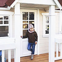 Двери детского домика