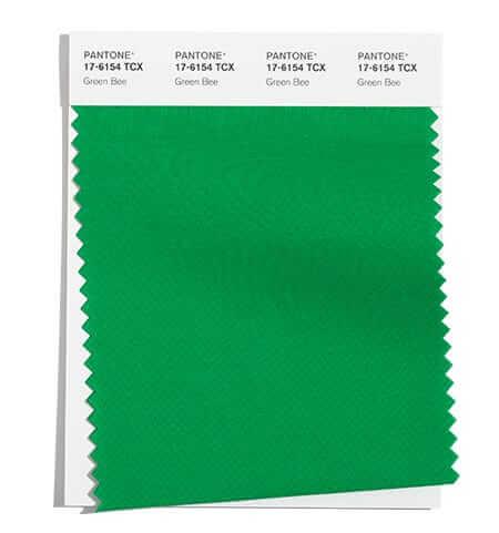 Зеленото Green Bee Един от модерните цветове за есен 2021 е свързан с все още свежите зелени листа и идеята за екология и рециклиране.