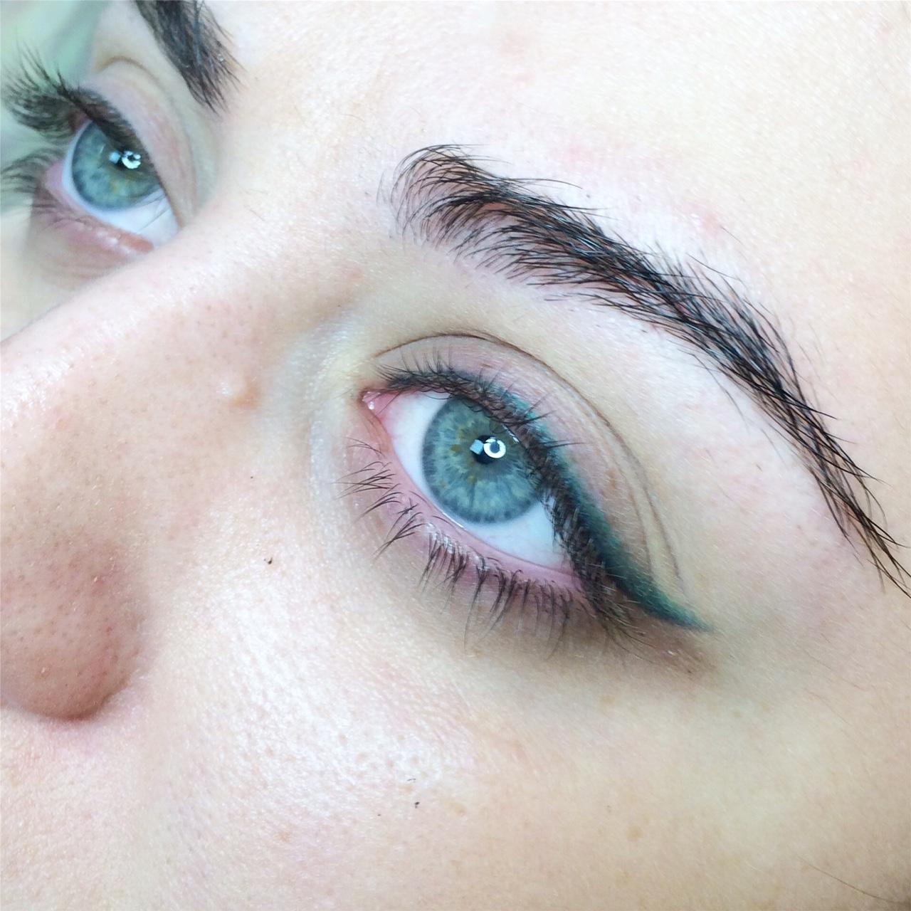 нижнекамском цветной татуаж глаз фото нанесения рисунка